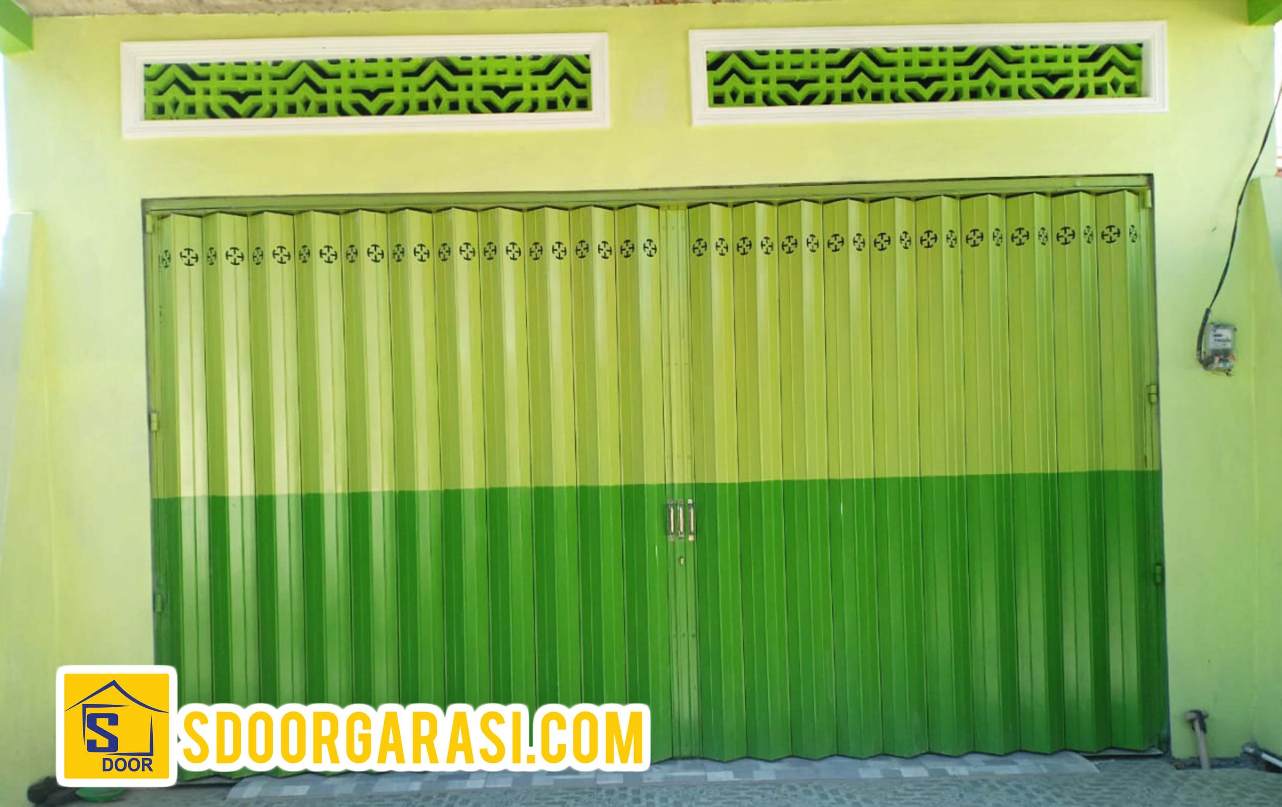 Jasa Pintu Harmonika rumah di sidoarjo mutiara citra graha dengan warna hijau